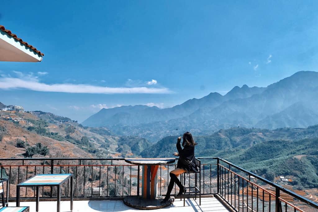 - Top 10 Quán Cà Phê View Đẹp Tại Sapa