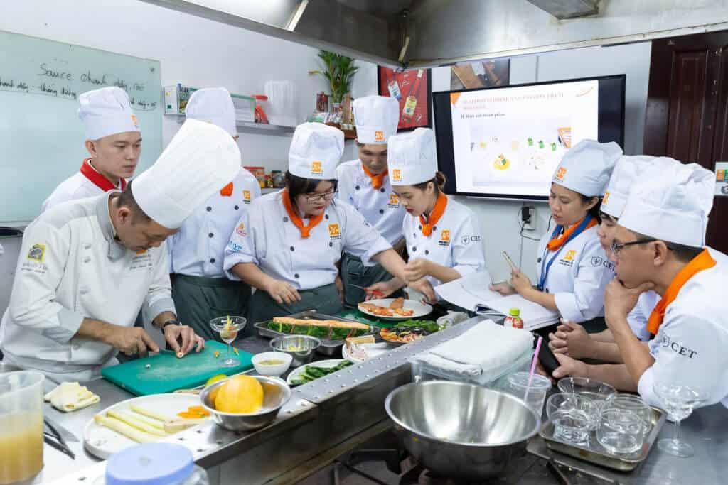 Top 10 Địa Điểm Dạy Nấu Món Ăn Chay Nổi Tiếng Tại Hà Nội - địa điểm dạy nấu món ăn chay nổi tiếng tại hà nội - CÔNG TY CỔ PHẦN GIÁO DỤC VIỆT NAM | Hà Nội | Hướng Nghiệp Á Âu 23