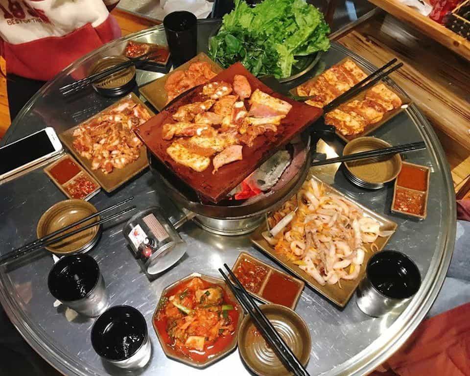 Top 10 Nhà Hàng Nướng Chuẩn Ngon Bổ Rẻ Ở Sapa - nhà hàng nướng chuẩn ngon bổ rẻ - H'mong BBQ Sapa | Lẩu Và Nướng Hoa Trà Quán | Mr Cò BBQ 41
