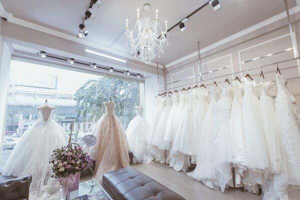 Top 10 Cửa Hàng Cho Thuê Váy Cưới Đẹp, Chất Lượng Ở Đà Nẵng - cửa hàng cho thuê váy cưới đẹp - Áo Cưới Cát Tường   Bella Wedding Studio's   Duy Wedding 45
