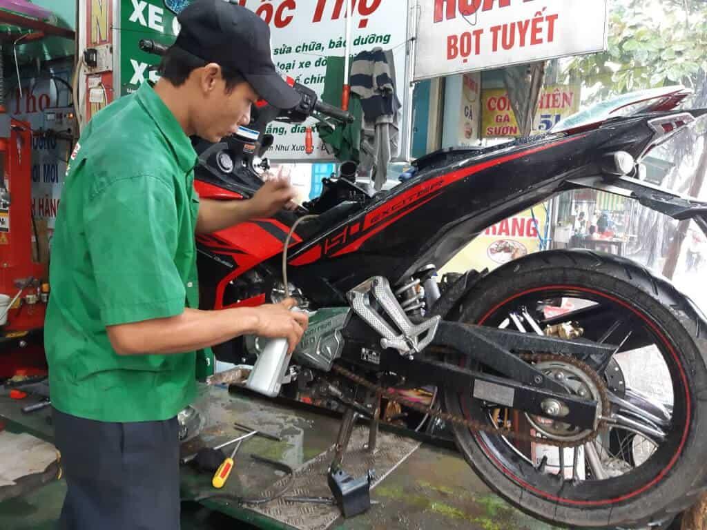 Top 10 Tiệm Sửa Xe Máy Uy Tín Tại TP HCM - tiệm sửa xe máy uy tín - Hoàng Tuấn TDL   Sửa Chữa Xe Máy Minh Đông   Sửa Xe 668 33