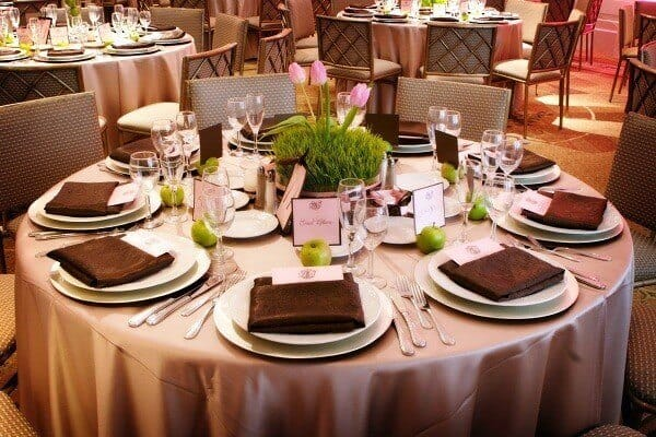 Top 3 Địa Chỉ Bán Bàn Ăn Tiệc Nổi Tiếng Nhất Tại Thành Phố Hồ Chí Minh - địa chỉ bán bàn ăn tiệc nổi tiếng - Nội Thất Xuân Hòa 3