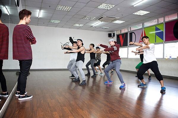 Top 3 Địa Điểm Dạy Nhảy Múa Được Nhiều Người Biết Đến Ở Quận Gò Vấp - địa điểm dạy nhảy múa ở quận gò vấp - Crowbar Academy 13