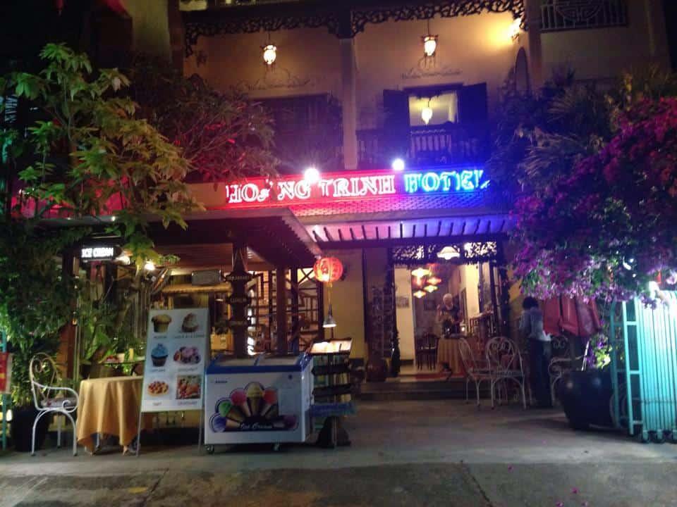 - Top 10 Khách Sạn Cực Xinh, Giá Rẻ Ở Hội An