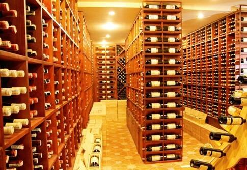 Top 9 Lưu Ý Khi Thiết Kế Nội Thất Hầm Rượu, Tủ Rượu -  - mẫu hầm rượu đẹp | Mẫu thiết kế nội thất đẹp | mẫu tủ rượu đẹp 35