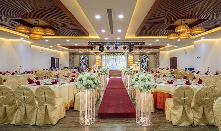 Top 10 Nhà Hàng Tiệc Cưới Sang Trọng Tại Nha Trang -  - Diamond Bay Nha Trang   Nhà hàng Hoàng Lan   Nhà hàng Majestic 37