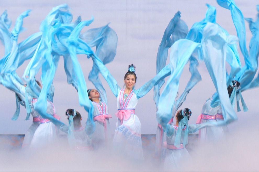 học múa lụa ở Flypro