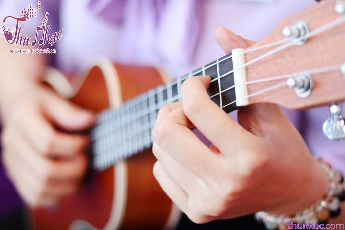 cơ sở dạy ukulele chuyên nghiệp hcm