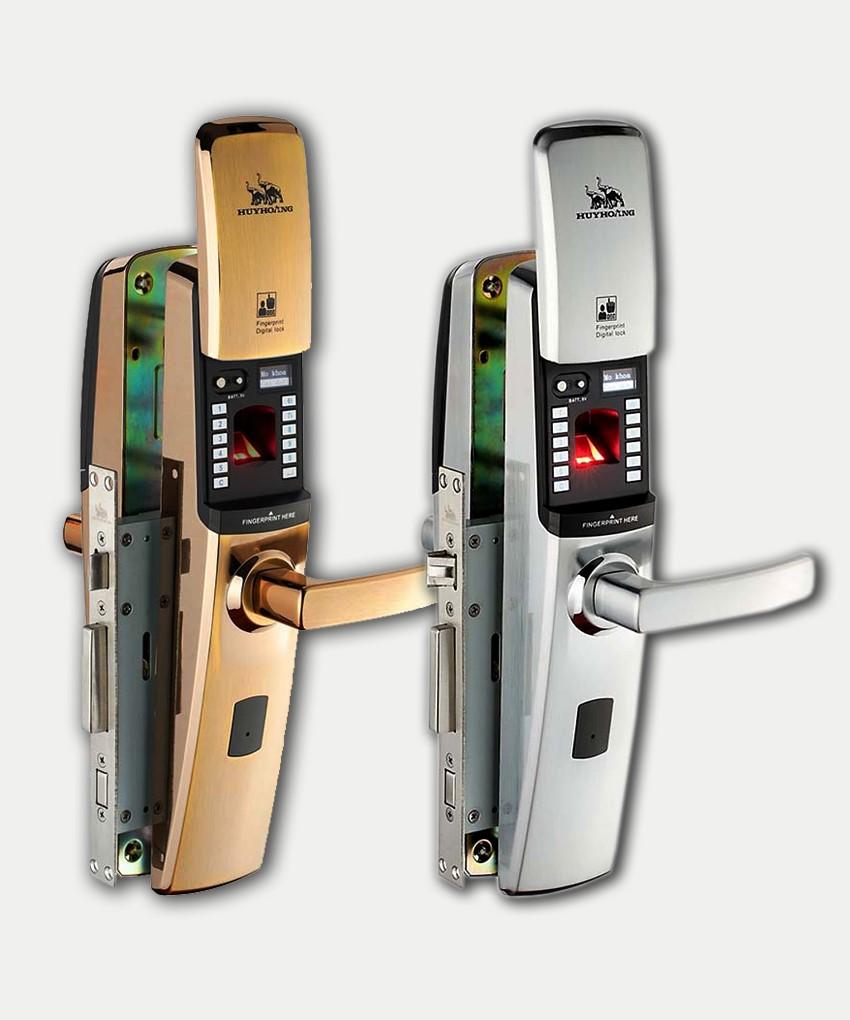 Tên thương hiệu (Huy Hoàng) thường được in sắc nét, rõ ràng và nổi bật trên thân khóa