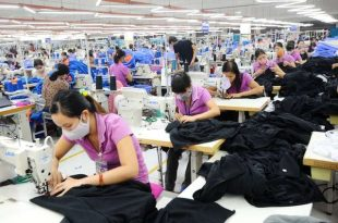 Top 6 xưởng may giá sỉ Tân Phú, HCM cho shop quần áo