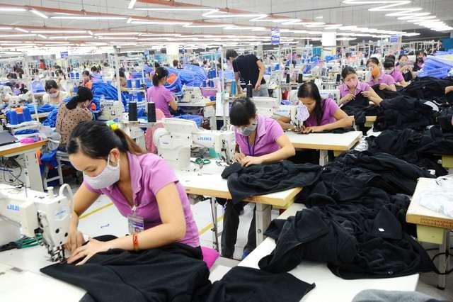 xưởng may hàng thời trang giá rẻ hcm